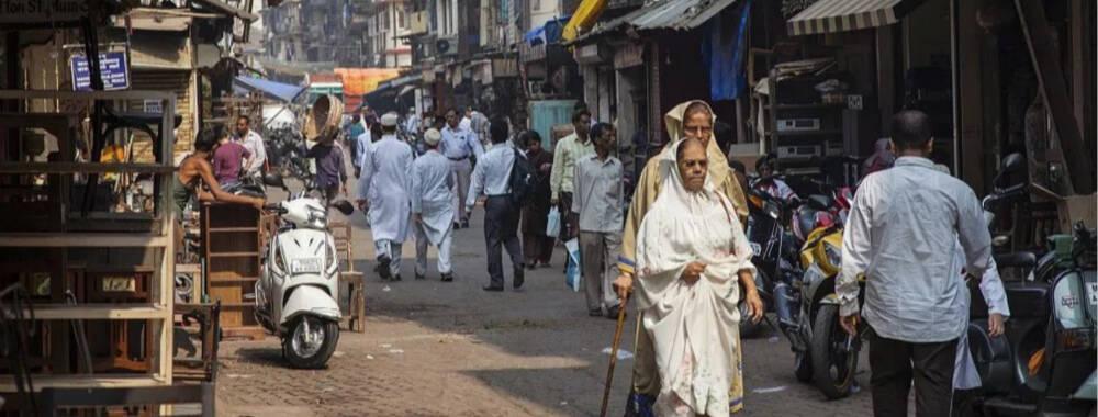 贫民窟逛千人洗衣场 挑动神经的印度孟买之旅