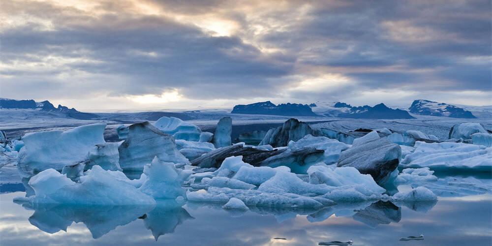 冰岛:超越现实的冰火国度