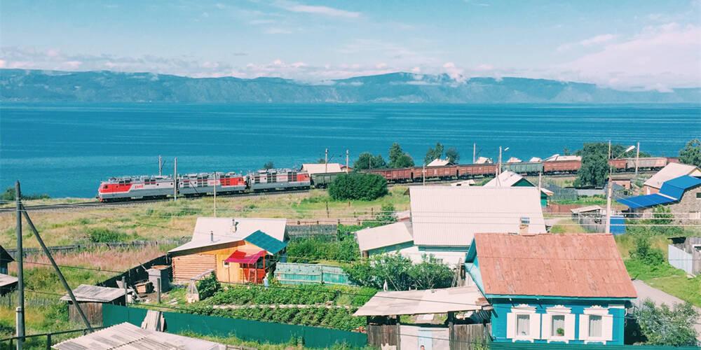 贝加尔湖沿岸