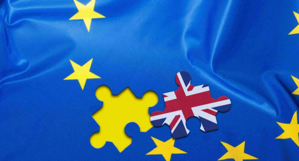 凤凰全球要报 特蕾莎将同意英国退欧法案
