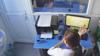 女子坐在办公室工作 监控记录可怕一幕