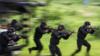 公安部长已不再兼任武警第一政委
