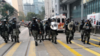 香港暴徒围殴追打警员致4人受伤 特区政府:无法无天
