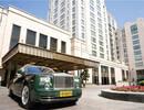 上海一家酒店,一晚12万,停车一小时80元,接客用4辆劳斯莱斯!