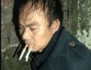 """人贩子被男子抓住后""""好烟好水""""款待, 网友: 太客气了"""
