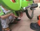邹城幼童手指卡自行车车链 消防1分钟救援