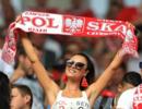 世界杯女球迷真漂亮!波兰美女,墨镜女郎胸前数字亮了