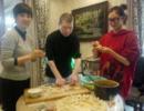 冯小刚徐帆与《芳华》女主吃年夜饭,还说了这句话