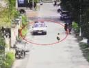女童坚持步行去外婆家 警察一路开车护送
