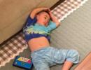 """Jasper为外公做""""火锅"""" 露出小肚子累瘫在地上"""