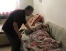"""73岁老人照顾百岁父母 舍""""小家""""十年如一日"""