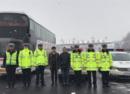 42名大学生因雪滞留  两省交警接力护送返校