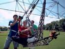 年轻!美国本科生的太阳能直升机,成功带着女同学升空