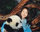 荷兰华人女孩寻遗弃她的亲生父母:我想找到自己的根