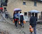 扶贫路上,有群走村串户的人