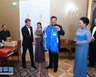 习近平同芬兰总统共同会见中芬冰雪运动员代表