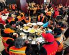 爱心餐厅月花4万 请300多名环卫工免费吃早餐