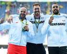 有爱!波兰铁饼运动员拍卖奥运银牌为患癌男孩筹款
