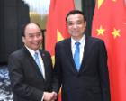 李克强会见越南总理阮春福