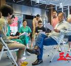 杜琪峰谈《三人行》:能和赵薇合作是我的幸运