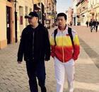 宋丹丹前夫英达16岁儿子曝光 在国外学冰球(图)