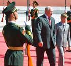 阿列克谢耶维奇谈获奖:还未收到总统祝贺 我抨击他多年