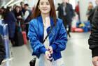 赵丽颖蓝色夹克配衬衫 简单却清新的感觉好舒服
