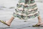 长裙+拖鞋是潇洒不羁还是不修边幅 倪妮、贝嫂完美演绎极简式慵懒女人
