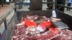 城管扣违规商贩300斤猪肉?官方:防止肉变质贬值已送福利院