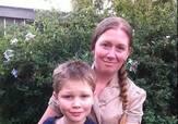 妈妈带着儿子在垃圾箱里找吃的,一年竟然省下了一万多美刀!