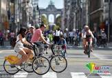 """比利时""""无车日""""民众骑单车出行环保节能"""