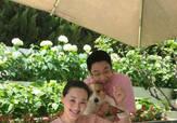林依轮提前庆祝结婚23周年 与家人一同包粽子超温馨