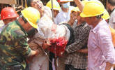 一工人从高处摔下 身体被钢筋贯穿
