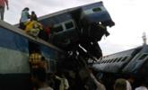 印度火车6节车厢脱轨现场|现场图