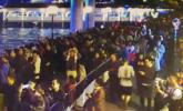 赏珠江夜景人流过密 警方发出提示