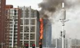 郑州一高层建筑突发大火现场