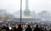 今天,法国30万人走上街头