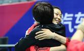 朱婷回归训练场 和郎平热烈拥抱