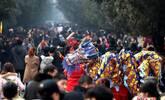 少林寺的春节 游客一眼望不到头