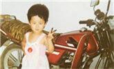 众星晒童年旧照:你认得出这是谁吗