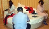 广西警察在广东捉传销一幕