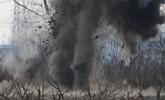 警方集中销毁数百废旧弹药爆炸物