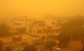 苏丹遭强沙尘暴袭击 漫天昏黄