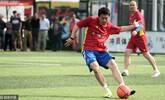 申思祁宏出狱后首次公开踢球
