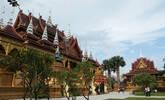 云南这座佛寺不仅里外漂亮 还不要门票