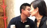 王皓与娇妻庆祝结婚3周年 甜蜜亲吻