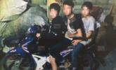"""泰国14岁""""飞车党""""当街抢劫中国游客"""