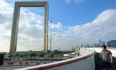 """迪拜花3亿造""""金拱门""""成新地标"""