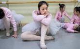 《在人间》第156期:一群农村女孩的芭蕾突围
