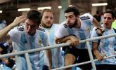 阿根廷球迷看台冲突吐口水